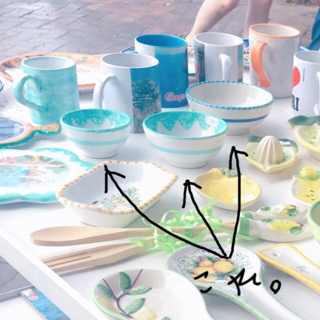 カプリ島の陶器のお皿のお土産