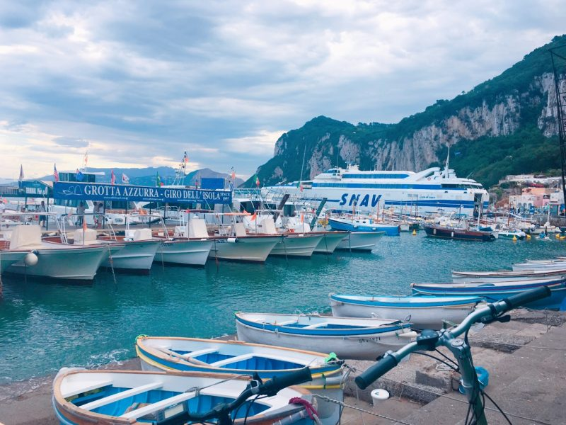 イタリアのカプリ島の船着場