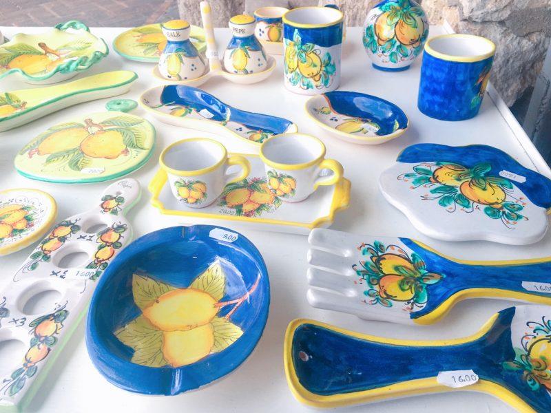 カプリ島のレモンの絵の食器のお土産