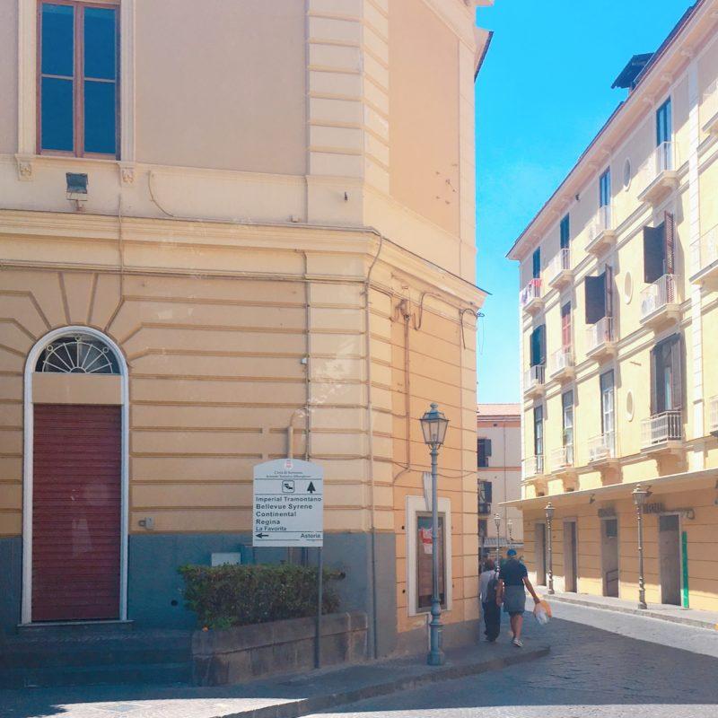 イタリアのソレントの街並み