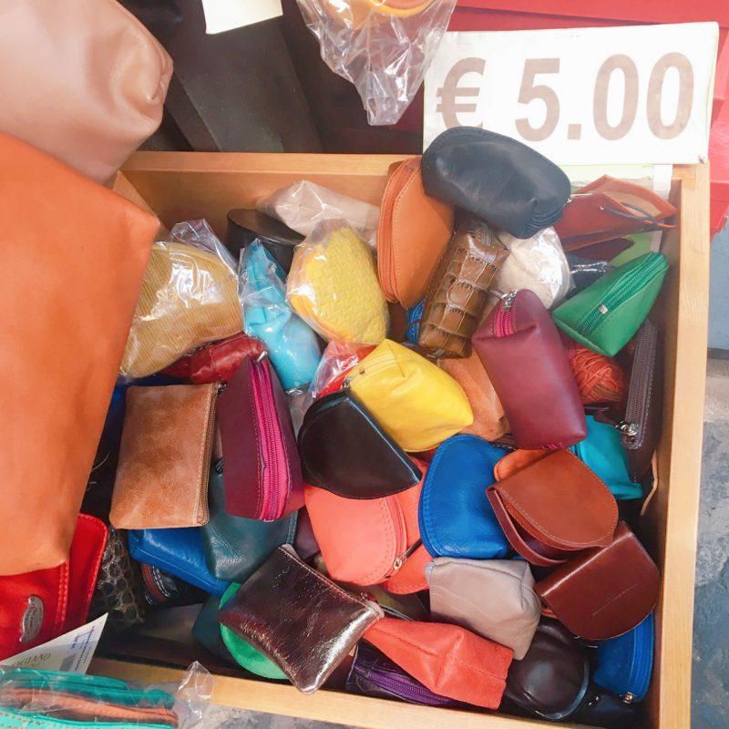 ソレントのお土産の革製品