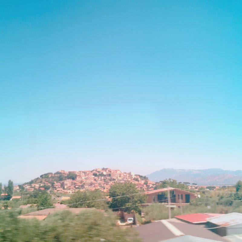 小高い丘の街