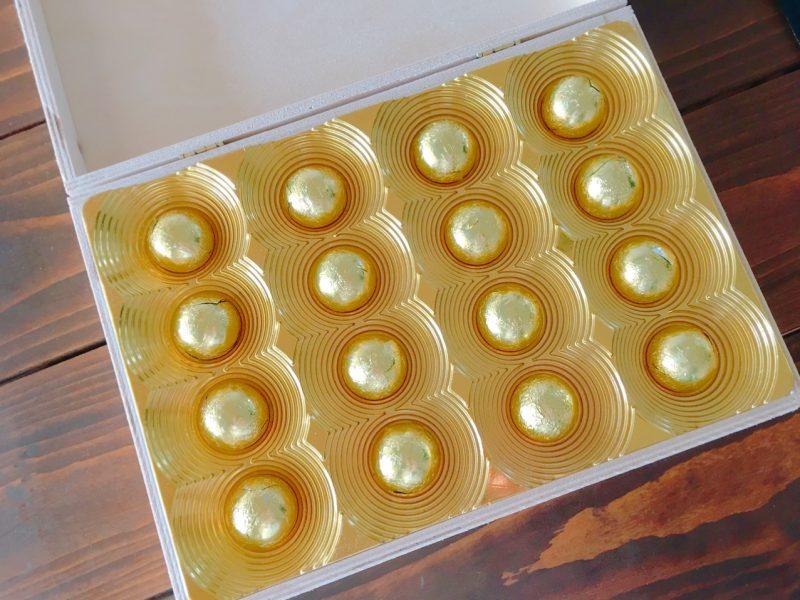 イタリア土産の木製の箱のチョコ
