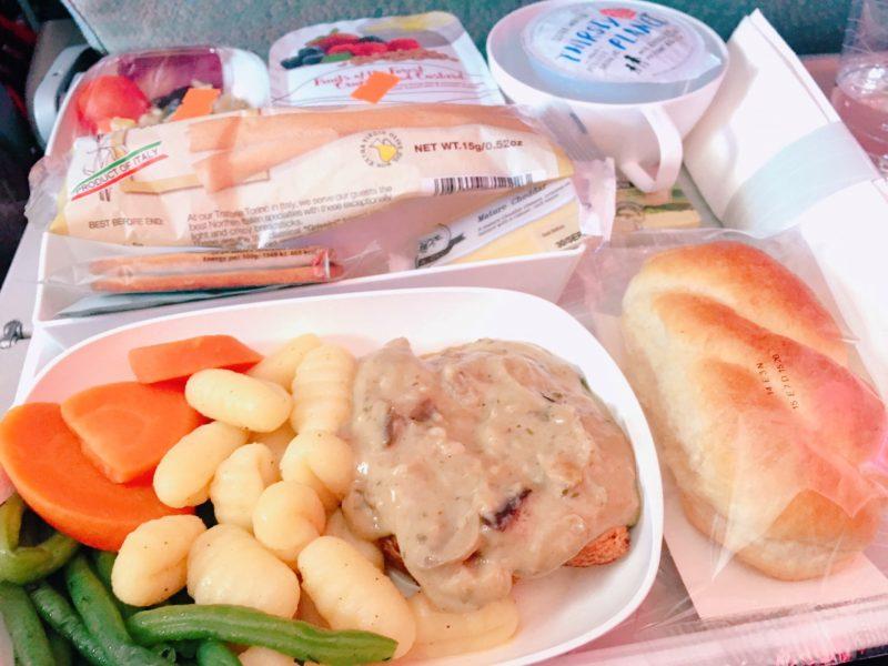 ローマ→ドバイエミレーツEK0098機内食
