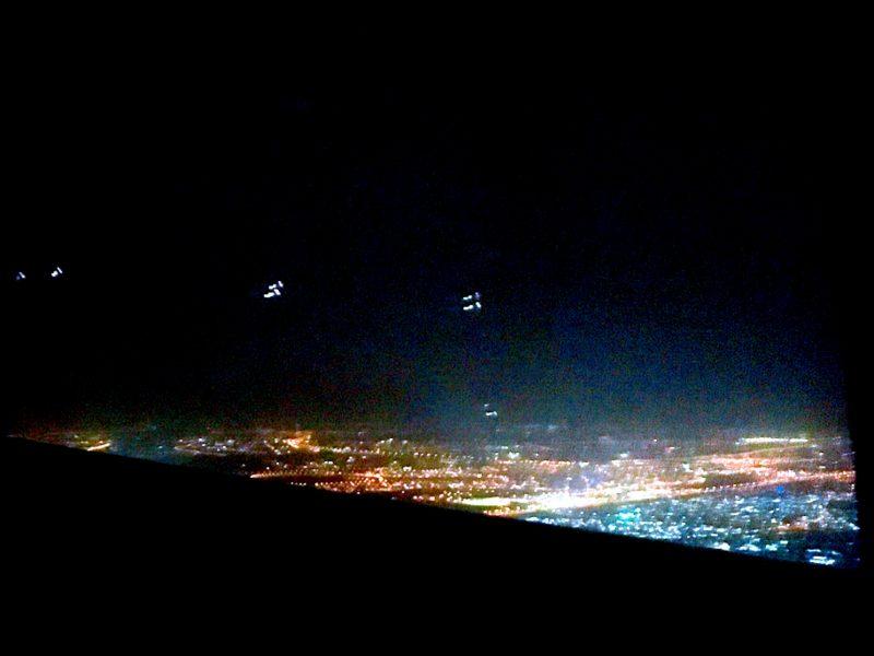 飛行機から見えたドバイの夜景