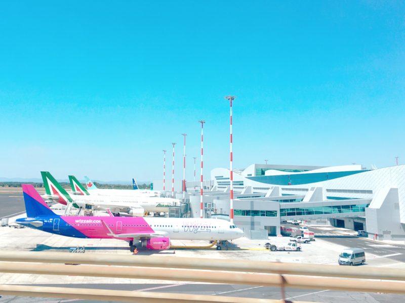 ローマ空港の飛行機