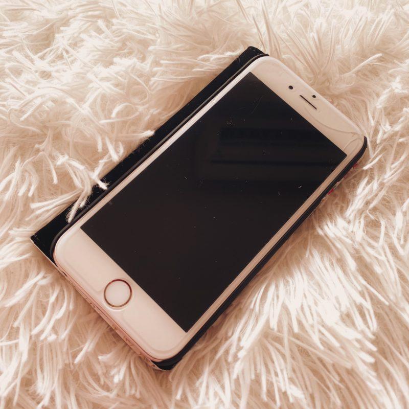 画面が割れてるiPhone6S