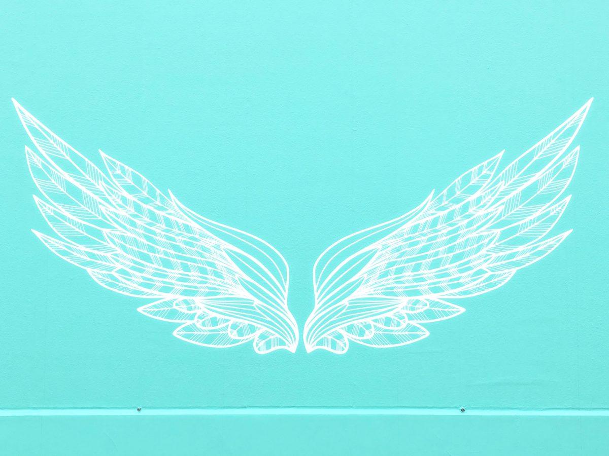 仙台港三井アウトレットのインスタ映えな天使の羽の壁♡