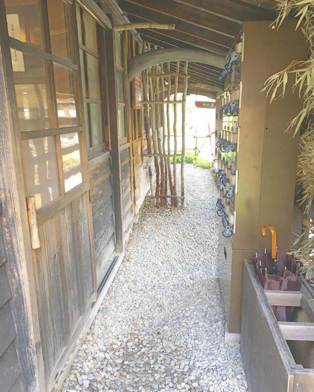 乳白色のお風呂♡秋田の乳頭温泉『鶴の湯』