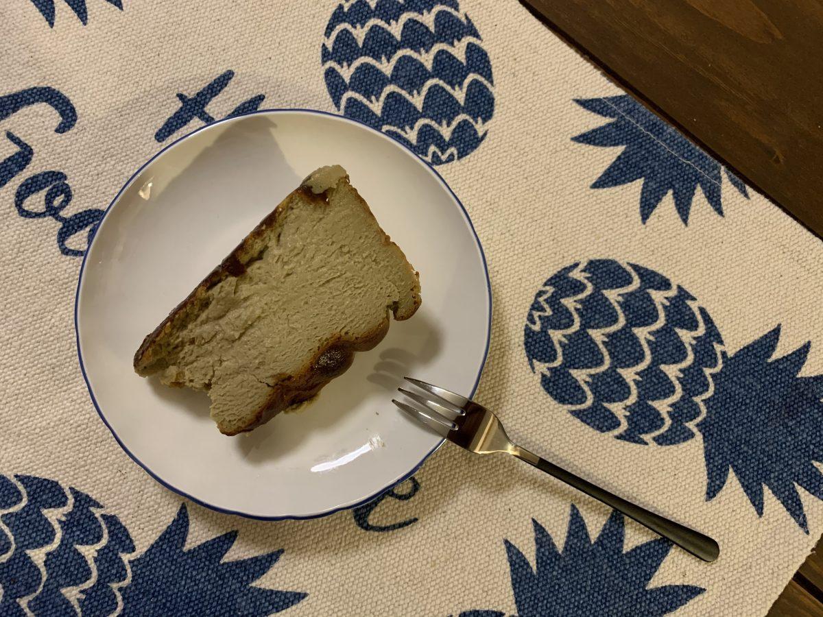 ちひろ菓子店のピスタチオバスクチーズケーキ