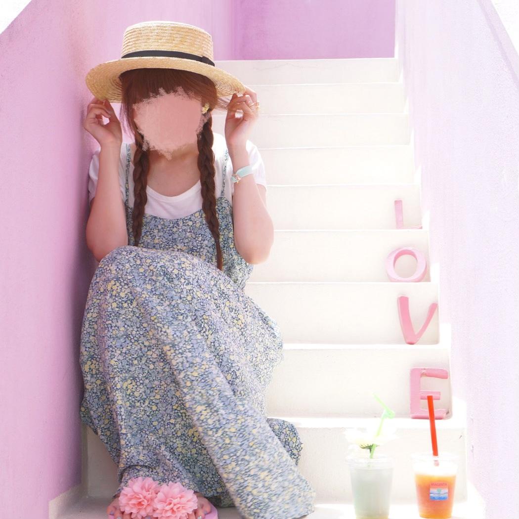 ピンクのLOVEがかわいい♡恩納村のインスタ映えジュースバー『マジェンタンブルー』