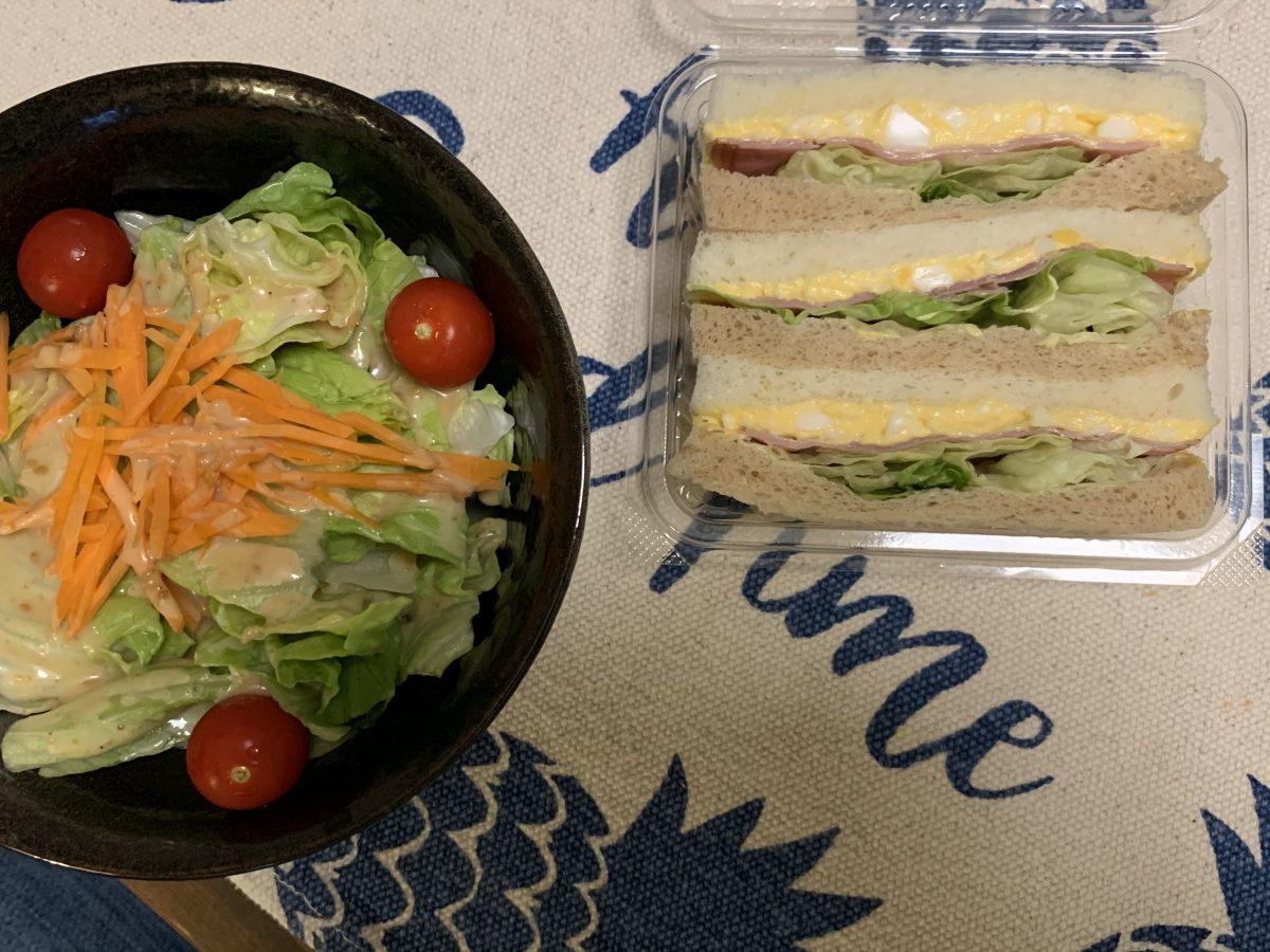 スーパーのサンドイッチ