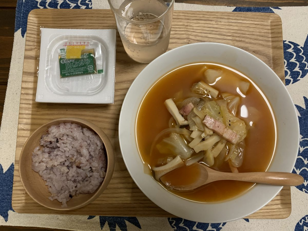 デトックススープに食後はりんご