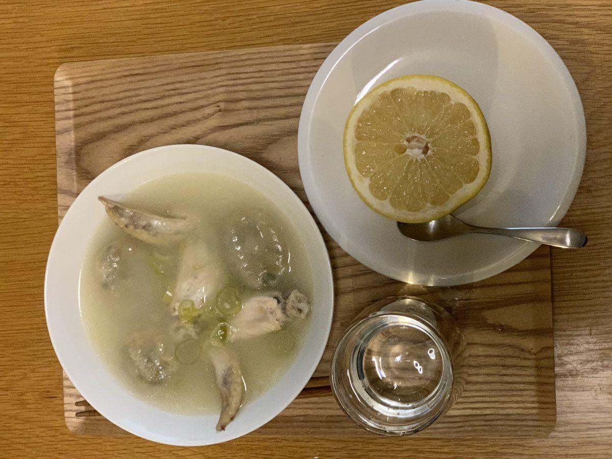 手羽先のガーリックスープとグレフル